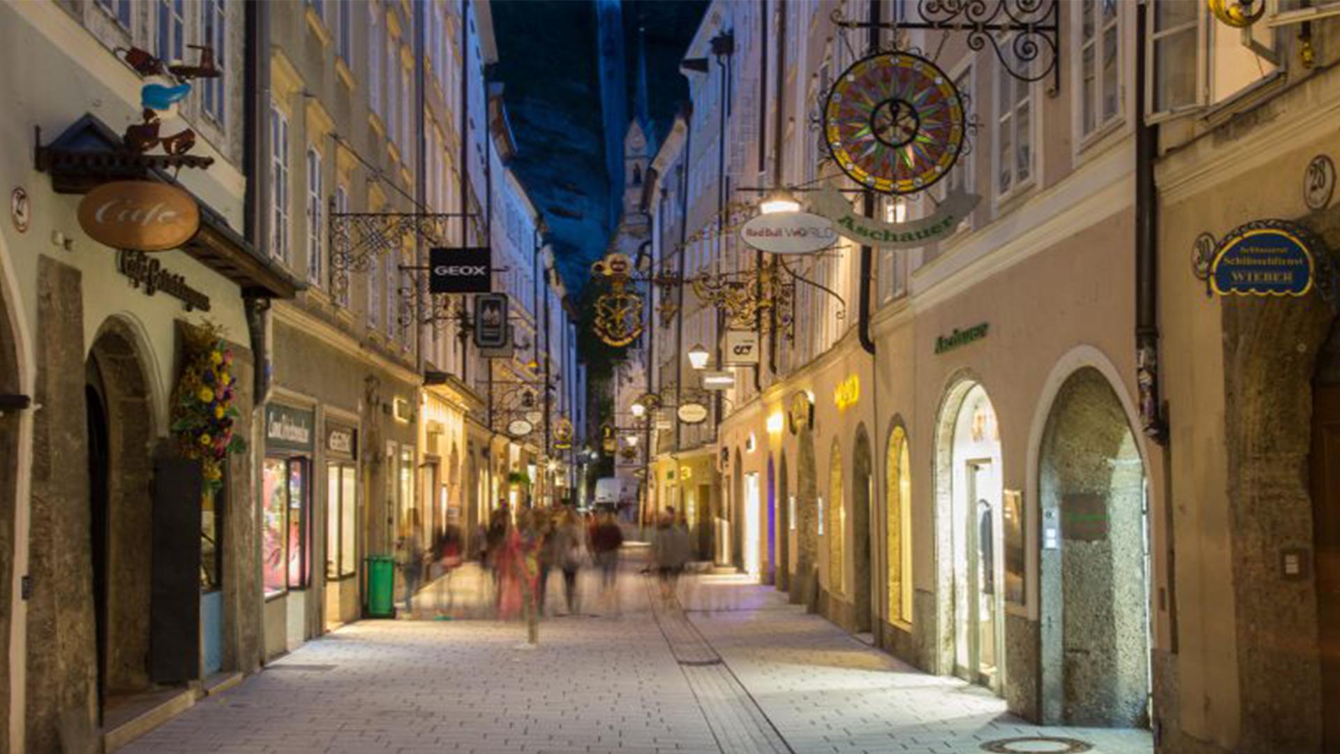Salzburg-Getreidegasse-Night