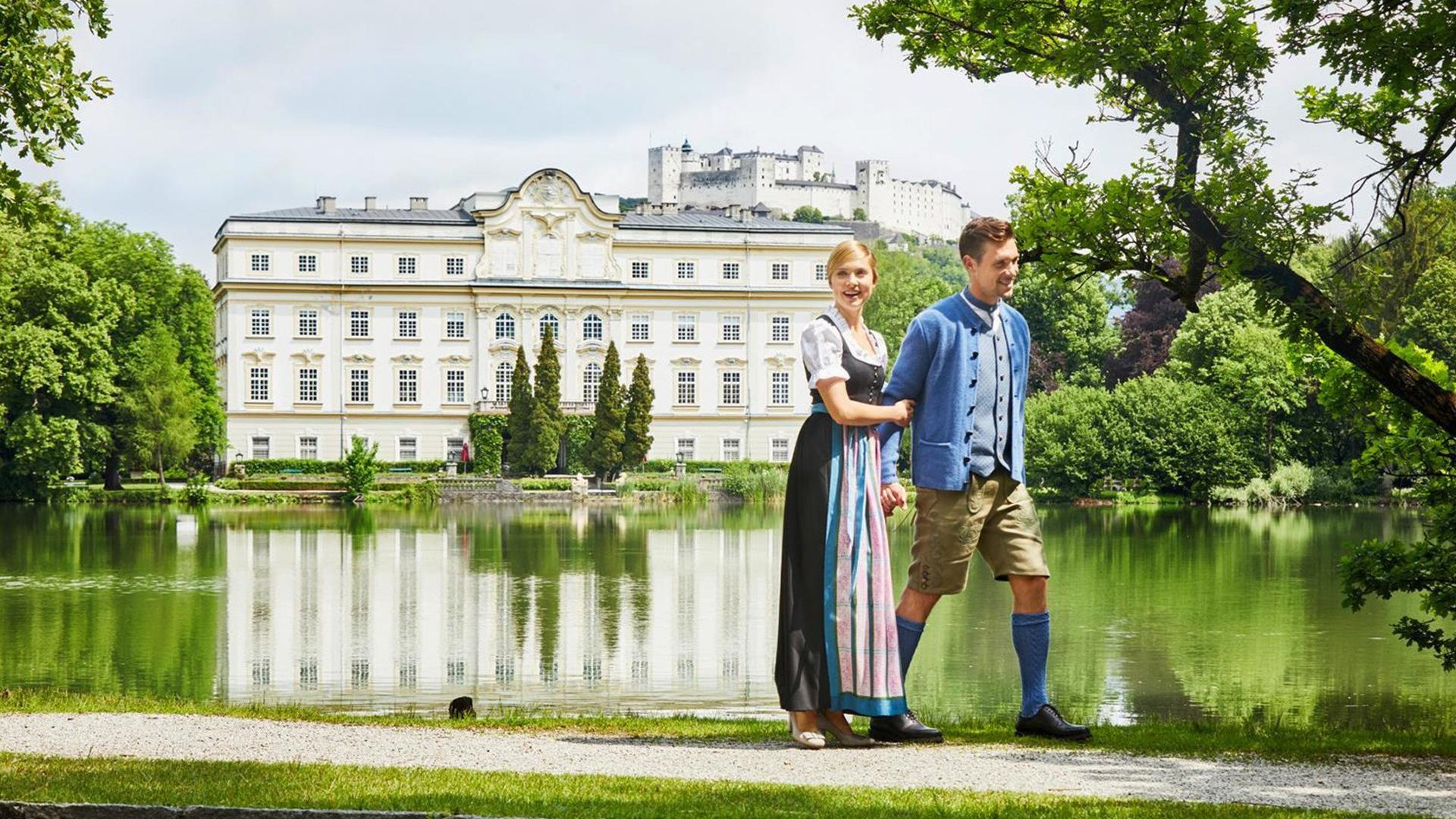 Leopoldskron_3_Palace_Castle_Couple